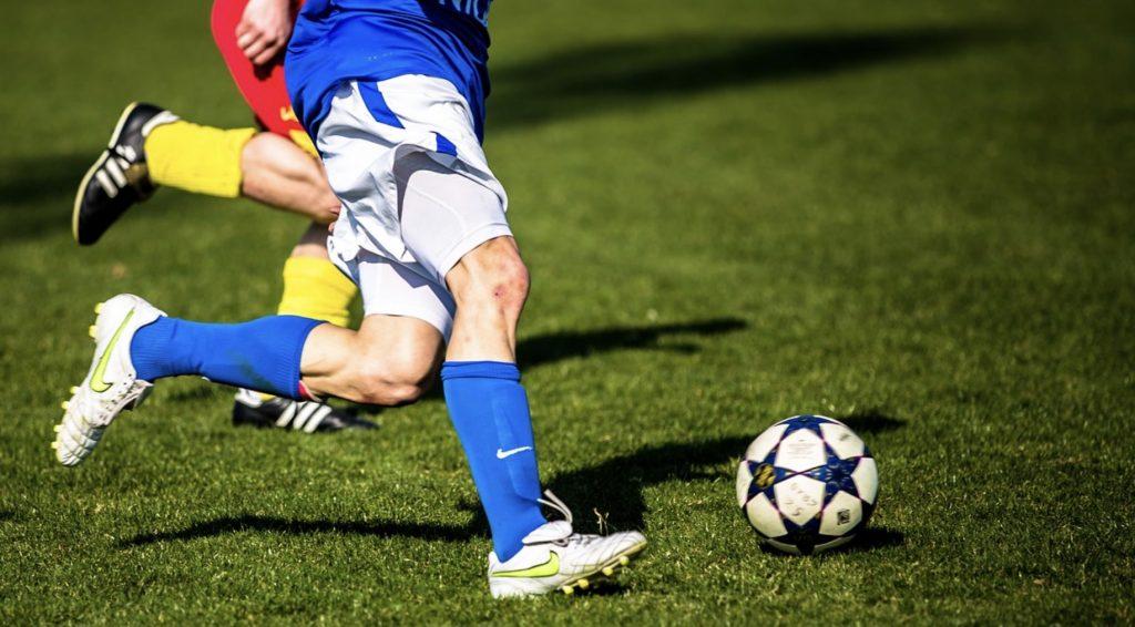 Piłkarskie hity weekendu. Jakie mecze obejrzeć 26 i 27 października?