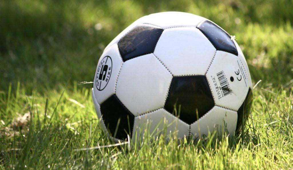 Bayern, derby Madrytu, Ajax - PSV. Hity weekendu online. Gdzie obejrzećmecze 1 i 2 lutego (sobota - niedziela)?